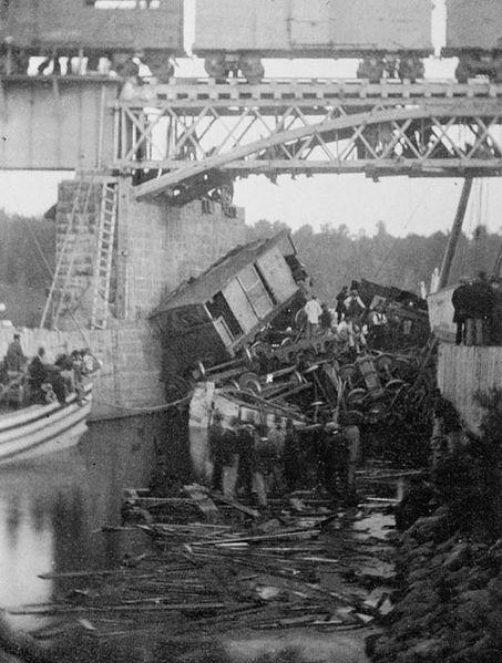 train accident05