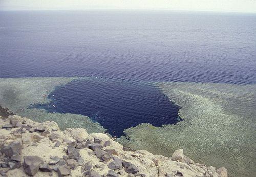 blue hole1