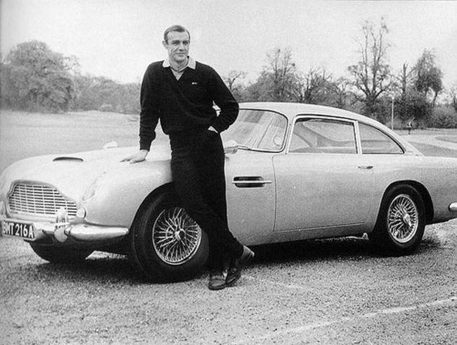 007's Aston Martin