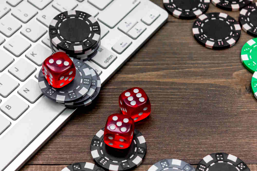 Online Gambling And Trends To Expect In 2020 - Weird Worm