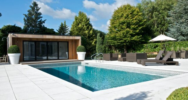 4 Tips On Maintaining Your Swimming Pool Water Quality 2021 Guide Weird Worm
