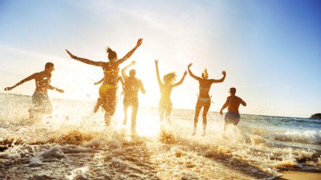 6 Best Beach Party Outfit Ideas For Summer 2020 Weird Worm