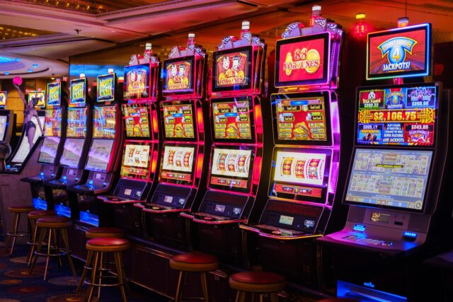 5 Things You Didn't Know About Slot Games - Weird Worm