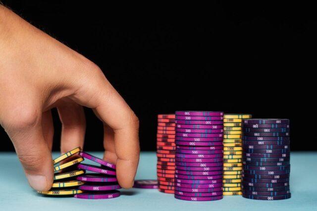 7 Tips Cara Menemukan Penawaran Lebih Baik Untuk Poker Online - Weird Worm