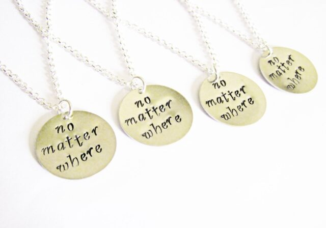 3 Things to Know about Friendship Necklaces – 2021 Guide