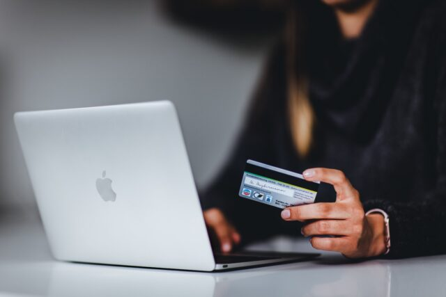 3 Very Convenient Method of Shopping Online